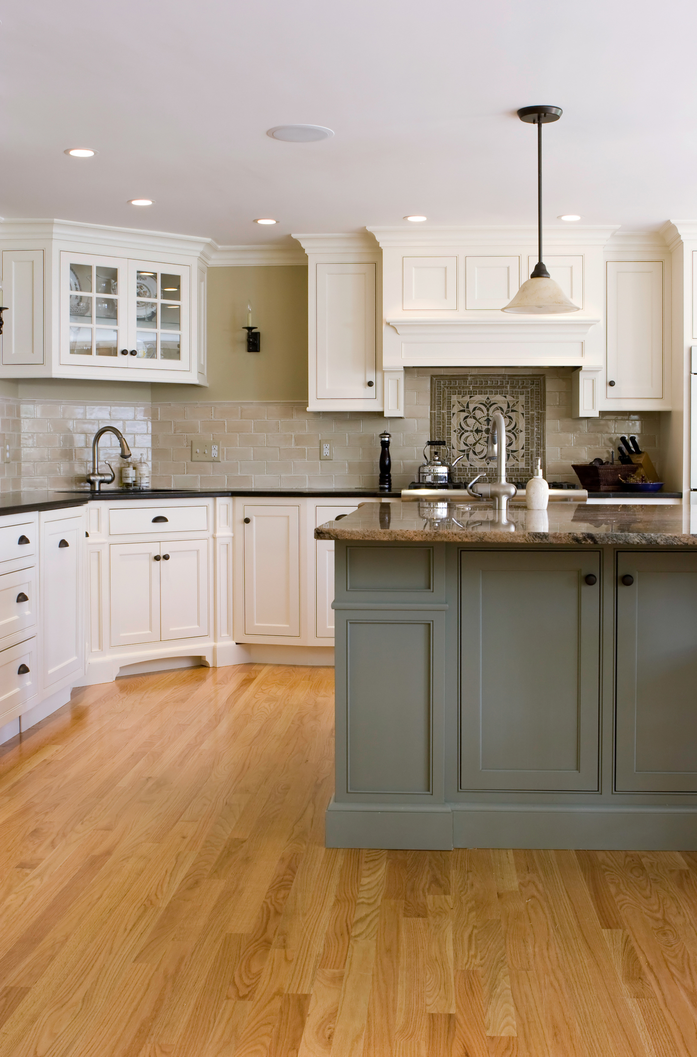 Interior designer temecula ca for Grey kitchen units sale